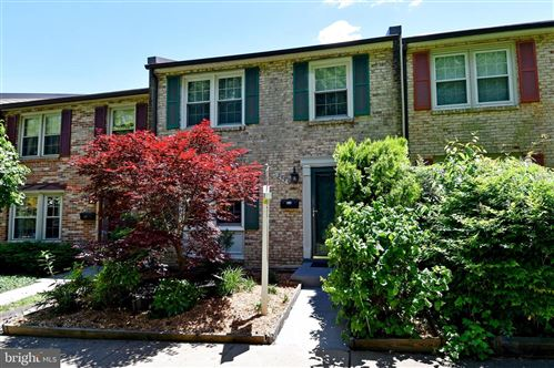 Photo of 299 GUNDRY DR, FALLS CHURCH, VA 22046 (MLS # VAFA111204)