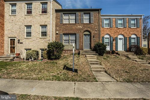 Photo of 3044 SEMINOLE RD, WOODBRIDGE, VA 22192 (MLS # VAPW435208)