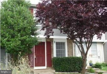 Photo of 1619 PURPLE SAGE DR, RESTON, VA 20194 (MLS # VAFX1114210)