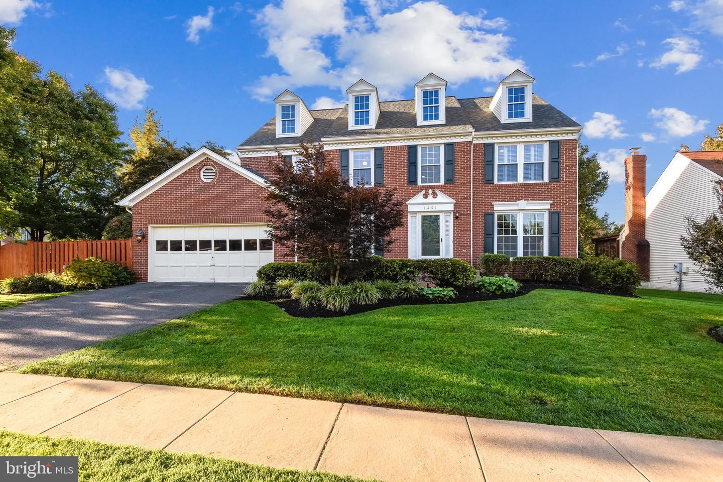 Photo of 1401 RAINBOW CT, HERNDON, VA 20170 (MLS # VAFX1150212)