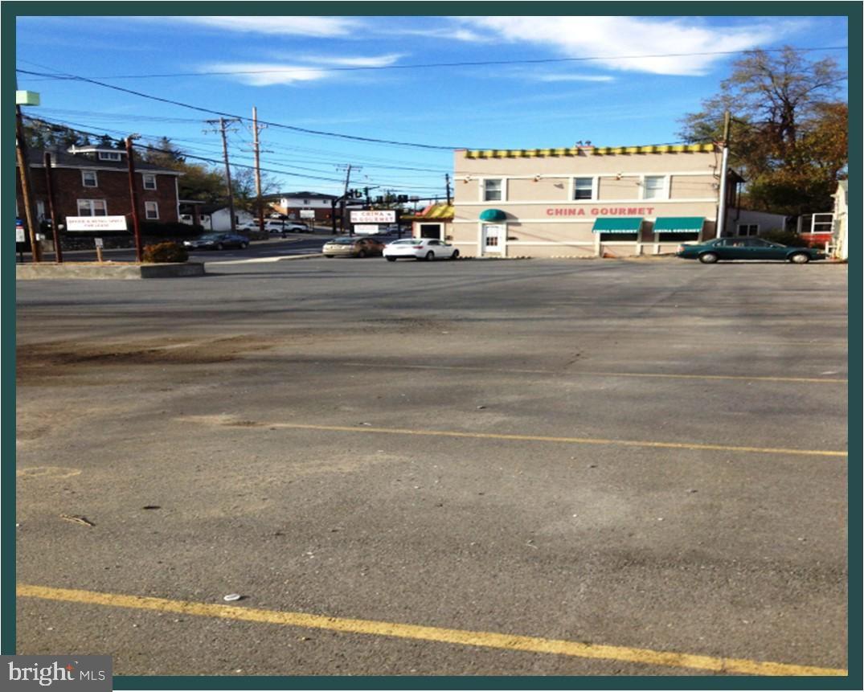 Photo of 214-220 MILLWOOD AVE, WINCHESTER, VA 22601 (MLS # VAWI2000214)