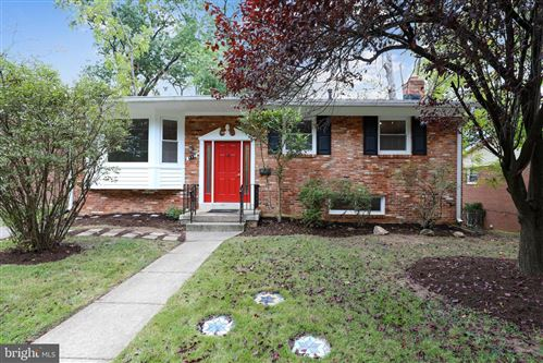 Photo of 715 NORTHWOOD TER, SILVER SPRING, MD 20902 (MLS # MDMC2001215)