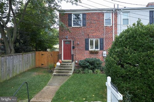 Photo of 202 ASPEN ST, ALEXANDRIA, VA 22305 (MLS # VAAX252218)