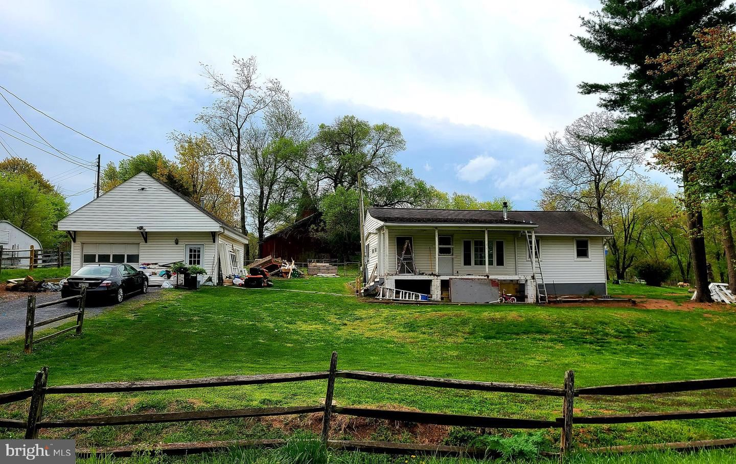 Photo of 2110-A PLEASANT VIEW RD, ADAMSTOWN, MD 21710 (MLS # MDFR281218)