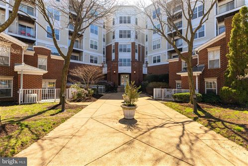Photo of 1645 INTERNATIONAL DR #407, MCLEAN, VA 22102 (MLS # VAFX1119222)