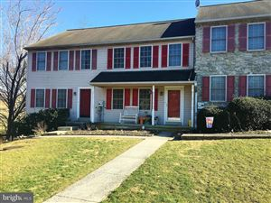 Photo of 840 KNOLL DR, MOUNT JOY, PA 17552 (MLS # PALA132224)