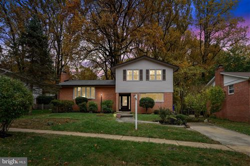 Photo of 6404 HOLLINS DR, BETHESDA, MD 20817 (MLS # MDMC685226)