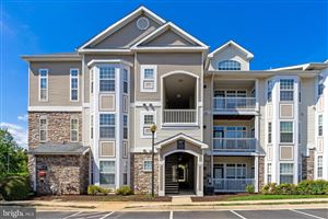 Photo of 507 SUNSET VIEW TER SE #302, LEESBURG, VA 20175 (MLS # VALO395232)
