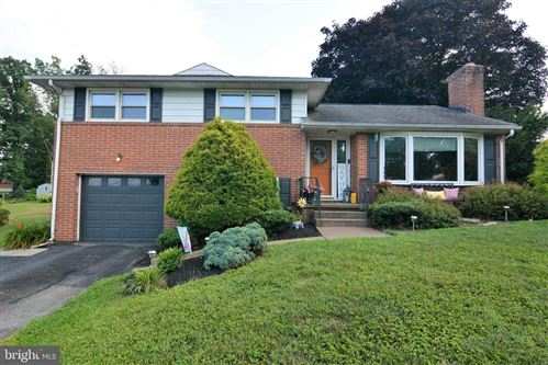 Photo of 412 HOLLY DR, RED LION, PA 17356 (MLS # PAYK2003234)