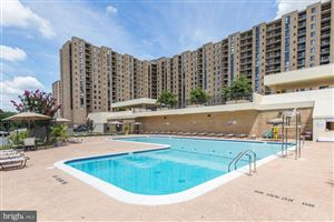 Photo of 4500 S FOUR MILE RUN DR #108, ARLINGTON, VA 22204 (MLS # VAAR151234)