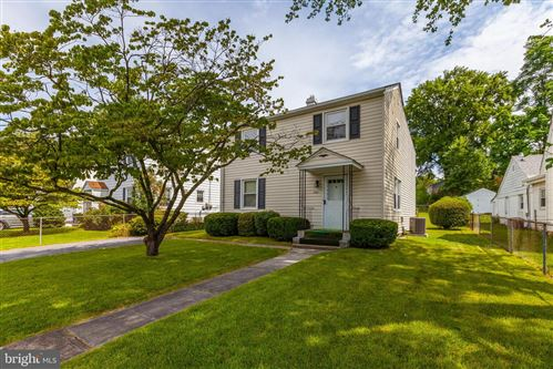 Photo of 720 MAPLETON RD, ROCKVILLE, MD 20850 (MLS # MDMC715236)