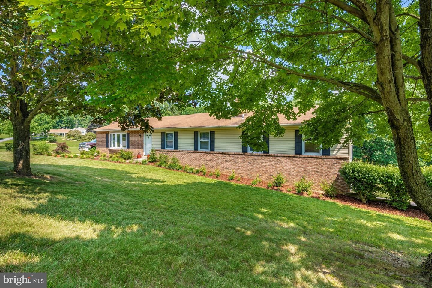Photo of 3495 ADGATE DR, IJAMSVILLE, MD 21754 (MLS # MDFR266238)