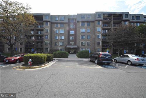 Photo of 2817 JERMANTOWN RD #408, OAKTON, VA 22124 (MLS # VAFX2027244)