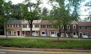 Photo of 7297-D LEE HWY #4, FALLS CHURCH, VA 22042 (MLS # VAFX1183248)