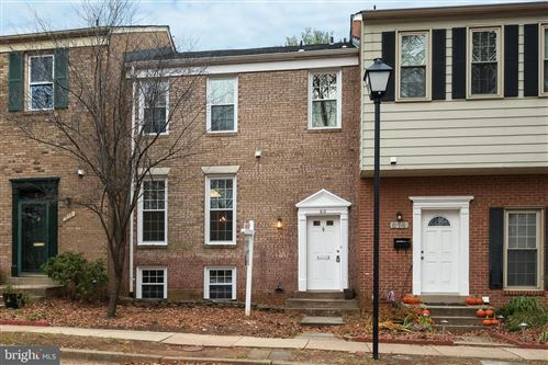 Photo of 612 NORTHCLIFFE DR, ROCKVILLE, MD 20850 (MLS # MDMC688254)