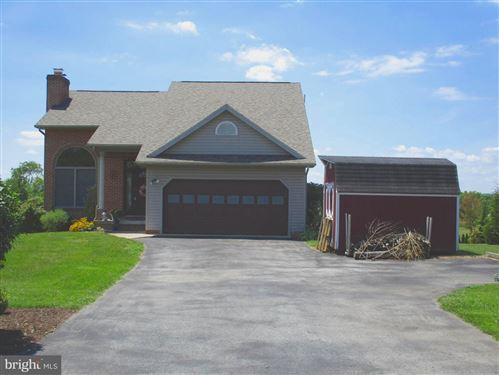 Photo of 16 TULIP CT, FALLING WATERS, WV 25419 (MLS # WVBE179254)
