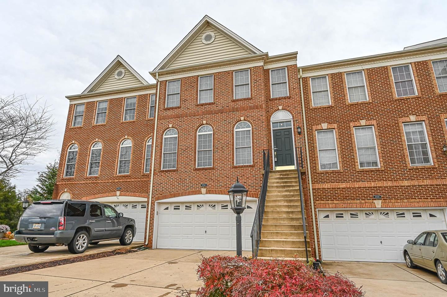 Photo of 22516 WELBORNE MANOR SQ, ASHBURN, VA 20148 (MLS # VALO425256)