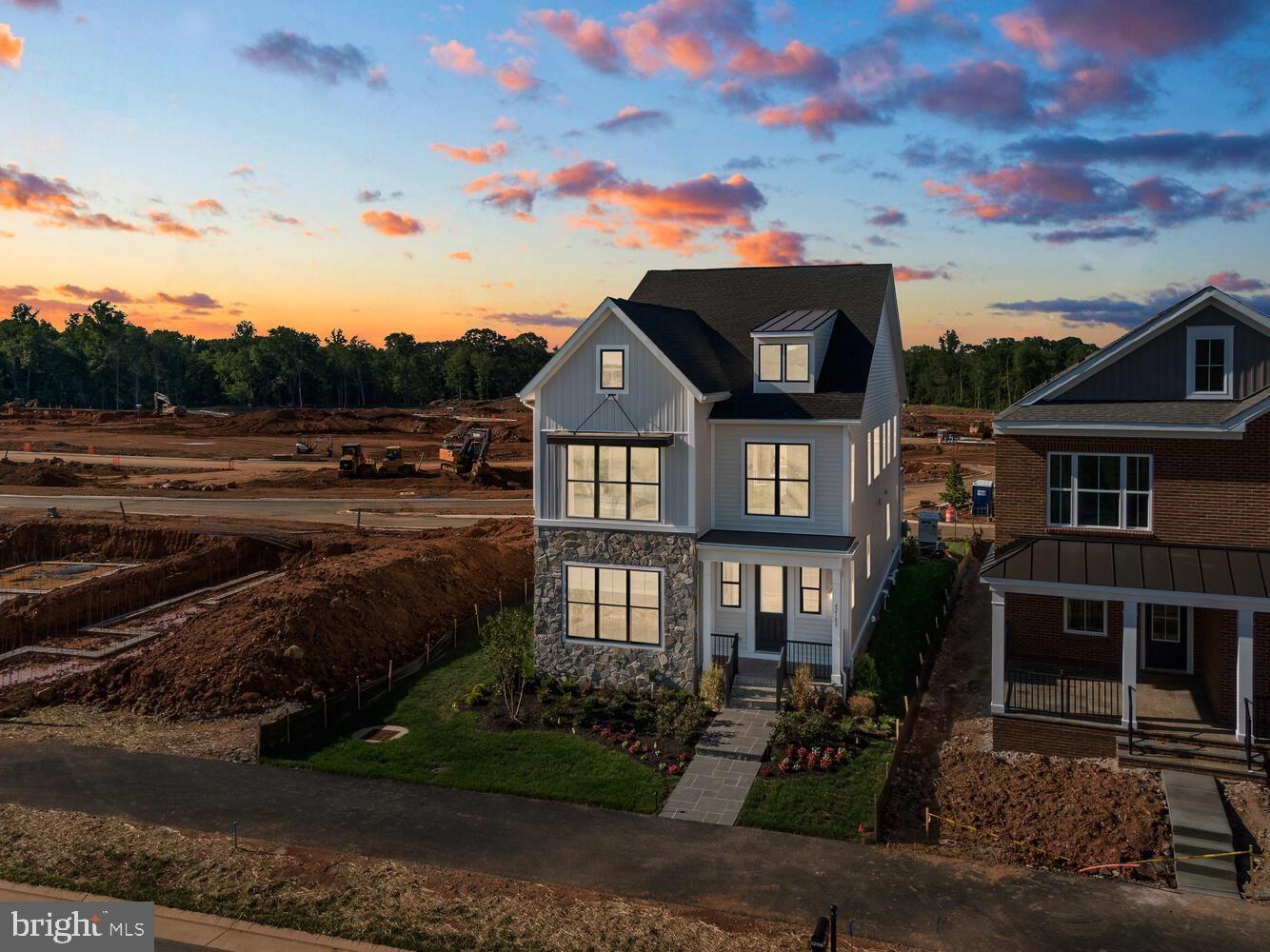 Photo of 6 CREIGHTON RD, BRAMBLETON, VA 20148 (MLS # VALO2004258)