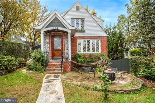 Photo of 204 PINE ST, ALEXANDRIA, VA 22305 (MLS # VAAX252262)