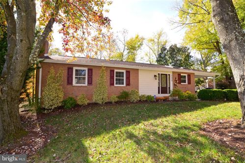 Photo of 7008 GALGATE DR, SPRINGFIELD, VA 22152 (MLS # VAFX1099262)