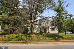 Photo of 129 WILLOW PL, STERLING, VA 20164 (MLS # VALO390262)