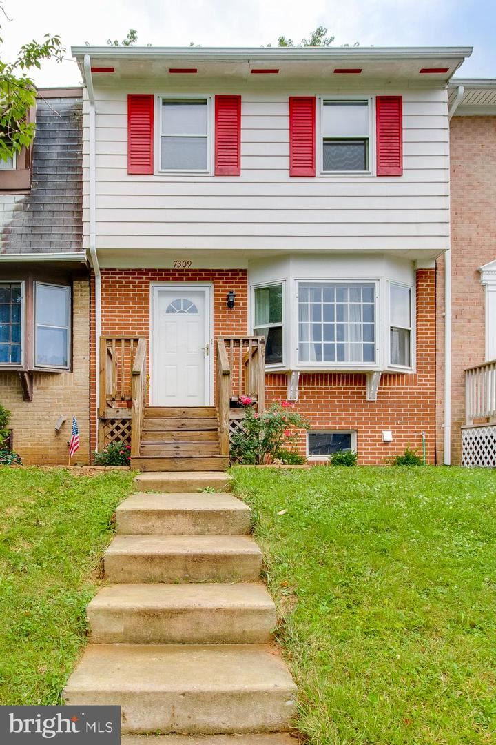 Photo of 7309 W SPRINGBROOK CT, MIDDLETOWN, MD 21769 (MLS # MDFR275268)