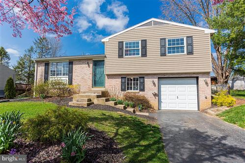 Photo of 2711 VALLEY DR, LANCASTER, PA 17603 (MLS # PALA158270)