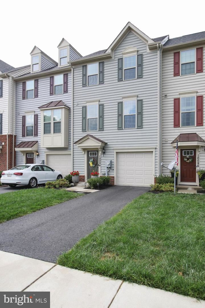 Photo of 10094 BEERSE ST, IJAMSVILLE, MD 21754 (MLS # MDFR266270)