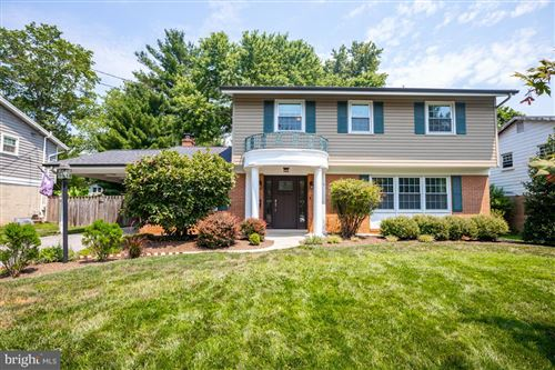 Photo of 910 CREST PARK DR, SILVER SPRING, MD 20903 (MLS # MDMC715272)