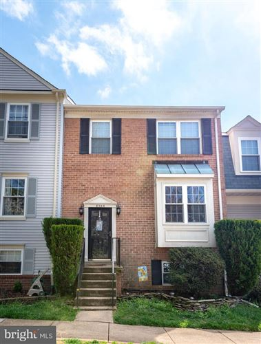 Photo of 6163 FOREST CREEK LN, SPRINGFIELD, VA 22152 (MLS # VAFX1118272)