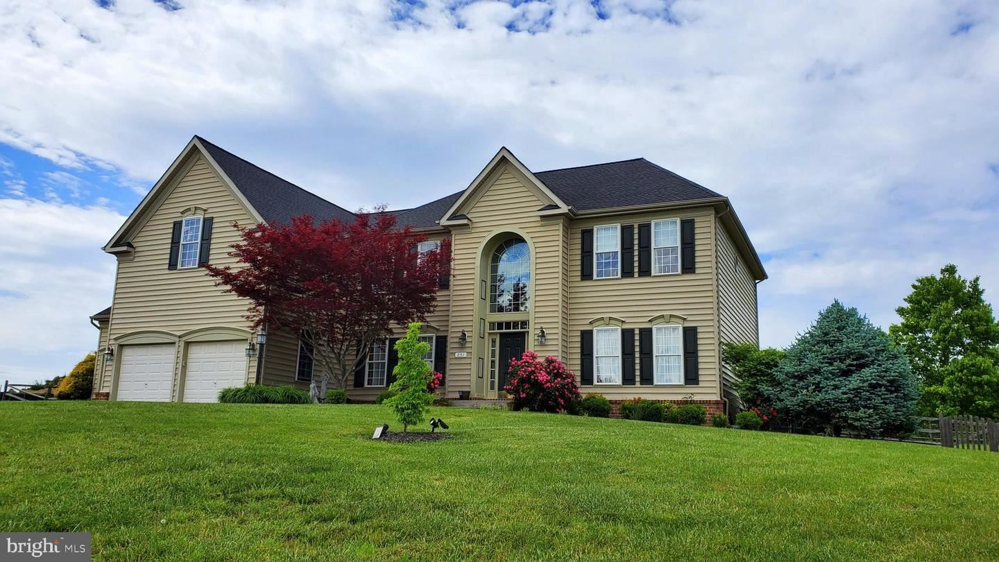 Photo of 251 JACKSON PL, MIDDLETOWN, VA 22645 (MLS # VAWR140272)
