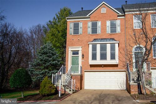 Photo of 8540 HARVEST OAK DR, VIENNA, VA 22182 (MLS # VAFX1107278)
