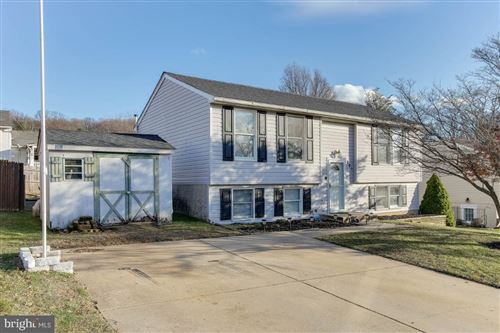 Photo of 201 CONTOUR RD, MOUNT AIRY, MD 21771 (MLS # MDFR258280)