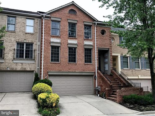 Photo of 4 BLOOMINGDALE CT, ROCKVILLE, MD 20852 (MLS # MDMC719280)