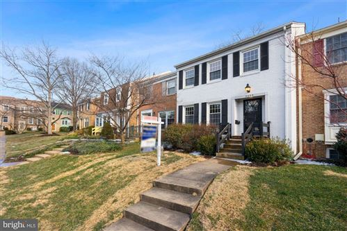 Photo of 2423 FALLS PLACE CT, FALLS CHURCH, VA 22043 (MLS # VAFX1182286)