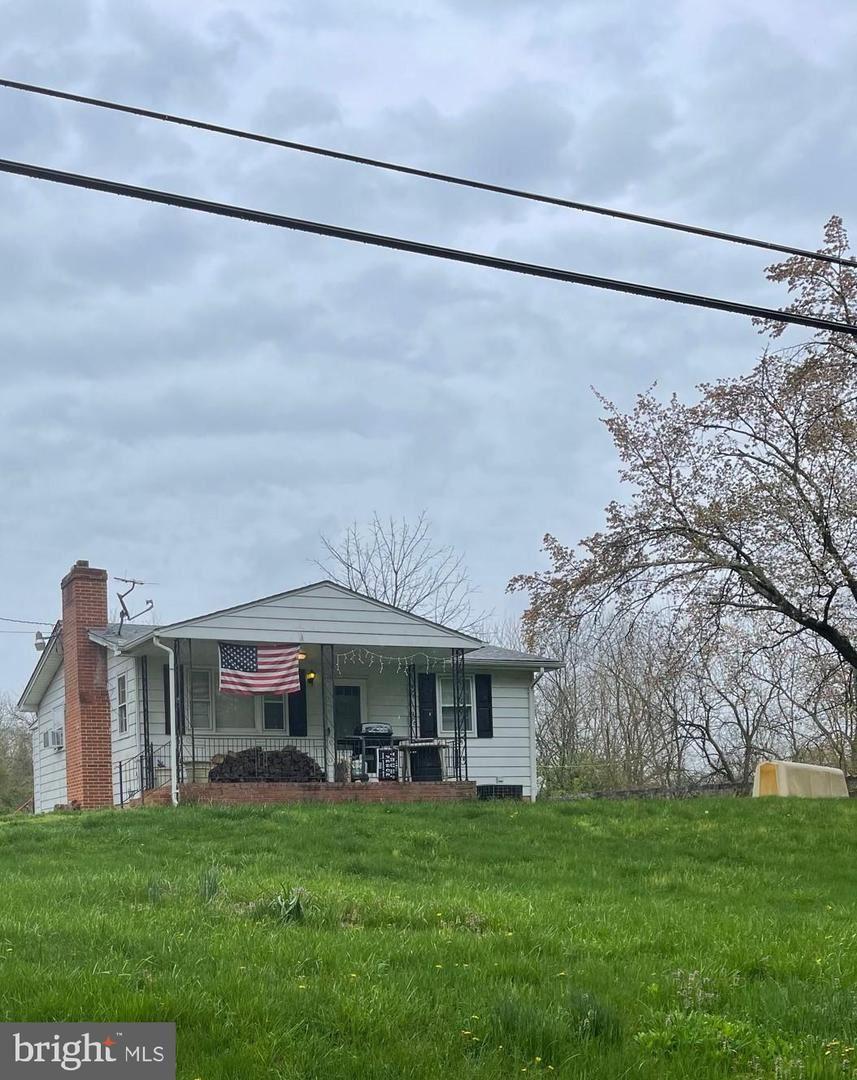 Photo of 242\246 PYLETOWN RD, BOYCE, VA 22620 (MLS # VACL112286)