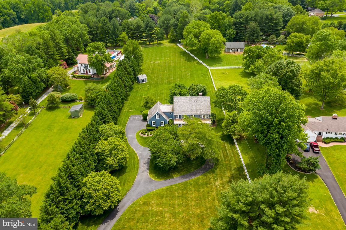Photo of 13441 QUERY MILL RD, NORTH POTOMAC, MD 20878 (MLS # MDMC712288)