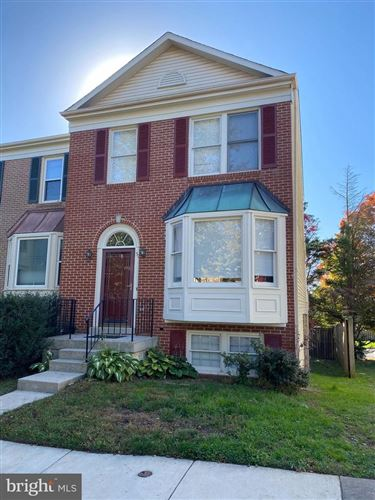 Photo of 52 DRUMCASTLE CT, GERMANTOWN, MD 20876 (MLS # MDMC730300)