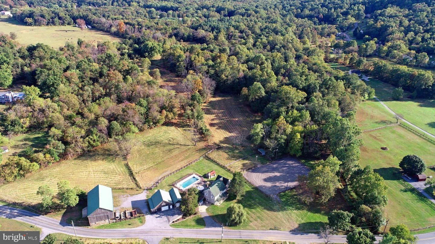Photo of 21175 SAN MAR RD, BOONSBORO, MD 21713 (MLS # MDWA168300)