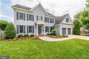 Photo of 6218 30TH ST N, ARLINGTON, VA 22207 (MLS # VAAR151302)