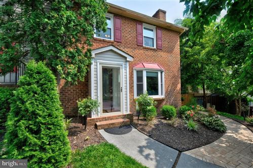 Photo of 833 APPLESEED CT, WINCHESTER, VA 22601 (MLS # VAWI2000302)