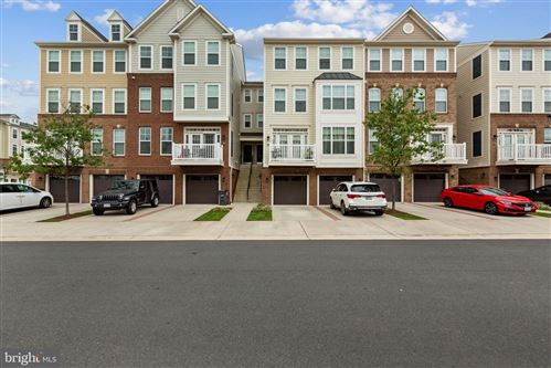Photo of 25217 BRIARGATE TER, CHANTILLY, VA 20152 (MLS # VALO421306)