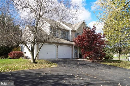 Photo of 636 MEADOW HILL DR, NARVON, PA 17555 (MLS # PALA143310)