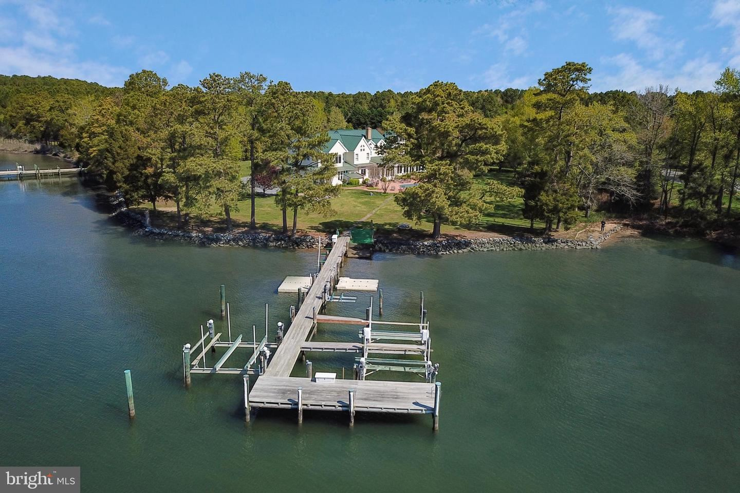 Photo for 26597 NORTH POINT RD, EASTON, MD 21601 (MLS # MDTA137310)