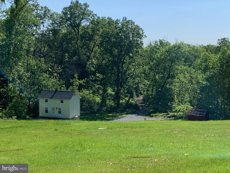 Photo of 13473 MOUNTAIN RD, LOVETTSVILLE, VA 20180 (MLS # VALO429310)
