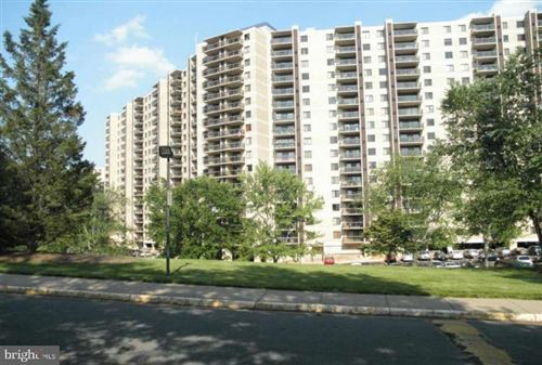 Photo of 309 YOAKUM PKWY #1608, ALEXANDRIA, VA 22304 (MLS # VAAX258312)