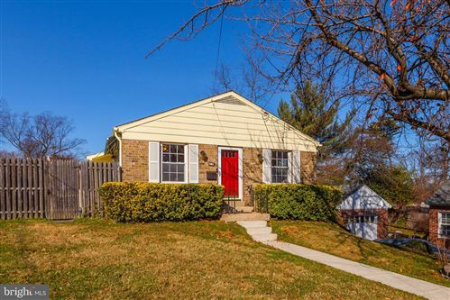 Photo of 210 CROYDON AVE, ROCKVILLE, MD 20850 (MLS # MDMC734314)