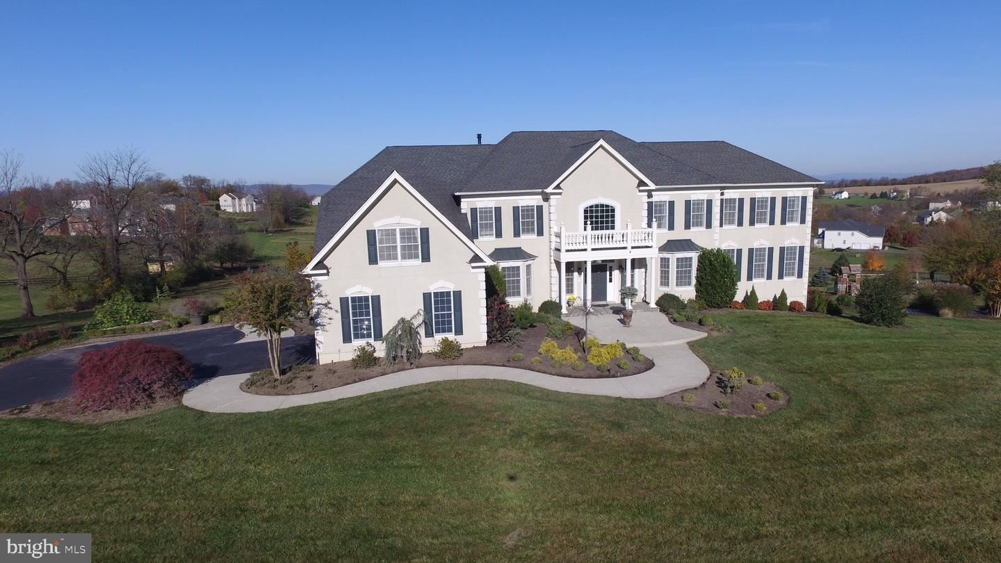Photo of 15200 BANKFIELD DR, WATERFORD, VA 20197 (MLS # VALO425314)