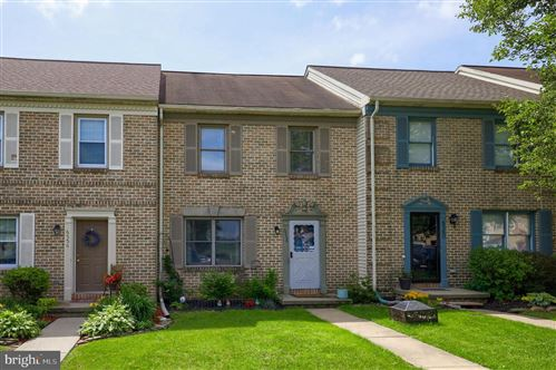 Photo of 6558 HOLLOW DR, EAST PETERSBURG, PA 17520 (MLS # PALA2000316)