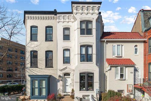 Photo of 902 MARYLAND AVE NE, WASHINGTON, DC 20002 (MLS # DCDC2000318)